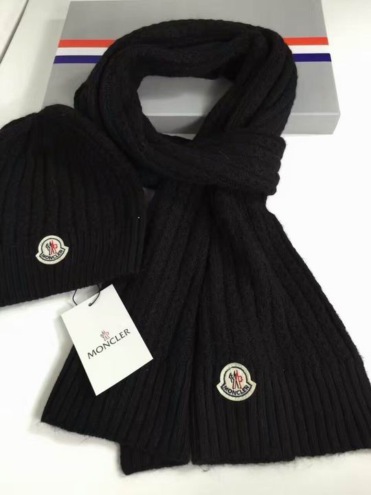Moncler Cap & Scarve Set Model: 20161221056