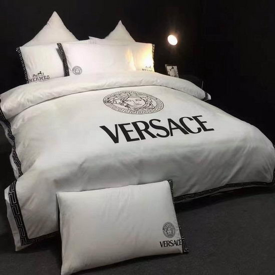 Versace four pieces beddings ID:20190403a9
