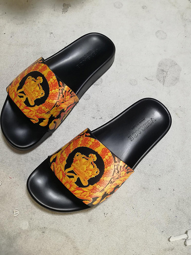 Mixed Brand Slippers Unisex ID:202004a89