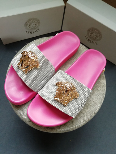 Mixed Brand Slippers Unisex ID:202004a90