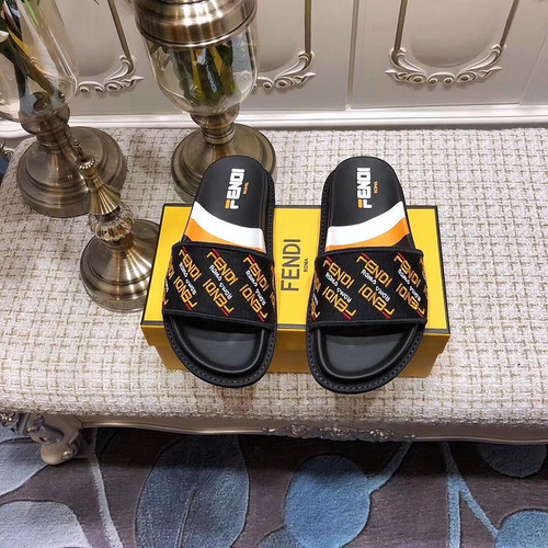 Mixed Brand Slippers Unisex ID:202004a120