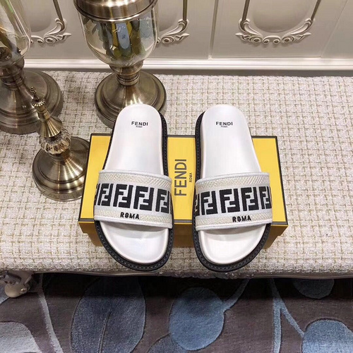 Mixed Brand Slippers Unisex ID:202004a133