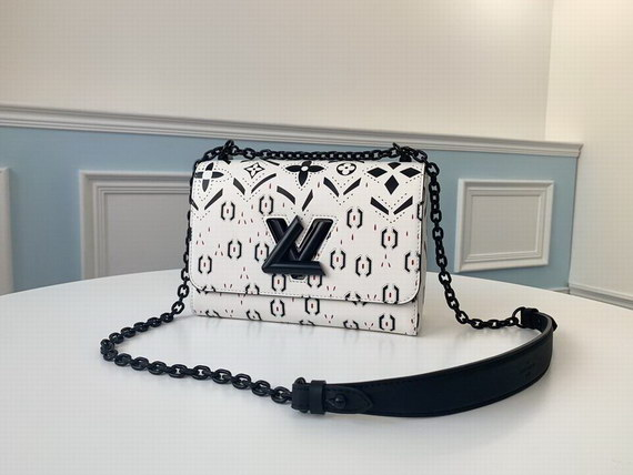Louis Vuitton Bag 2020 ID:202007a86