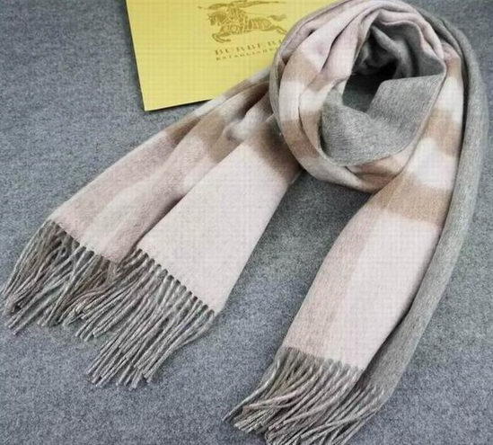 Burberry Checked Long Scarve Grey